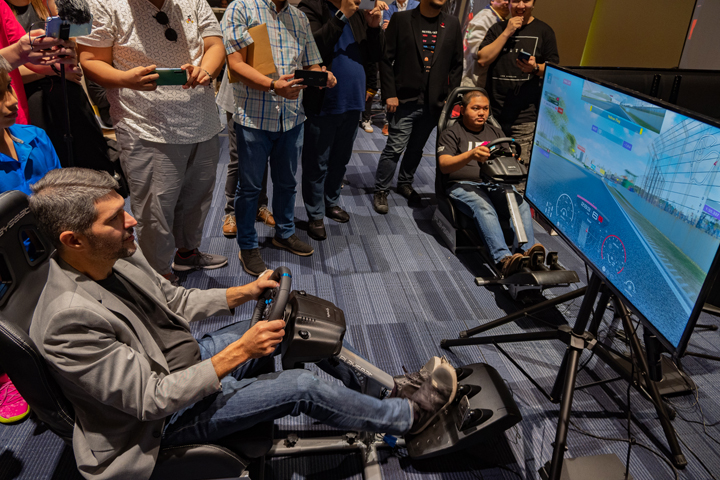 THE COMPETITIVE WORLD OF SIM RACING